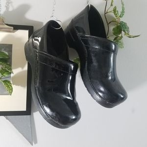 Dansko Patent Leather Clogs Slip on Shoes 40